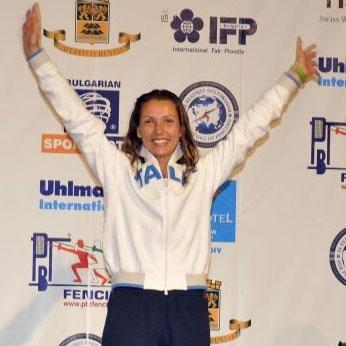 Valentina Vezzali sul podio ai campionati europei di Plovdiv 2009
