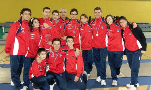 Foto di gruppo del Club Scherma Cosenza