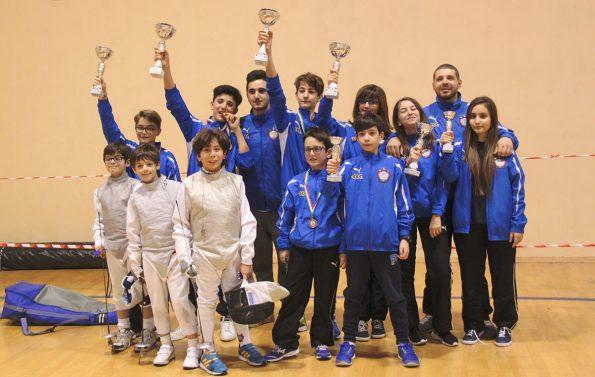 Foto gruppo Club Scherma Cosenza gara GPG Reggio Calabria